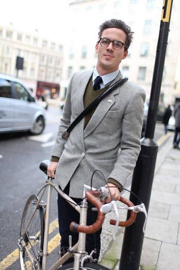 Sono sempre più i gentiluomini in bicicletta