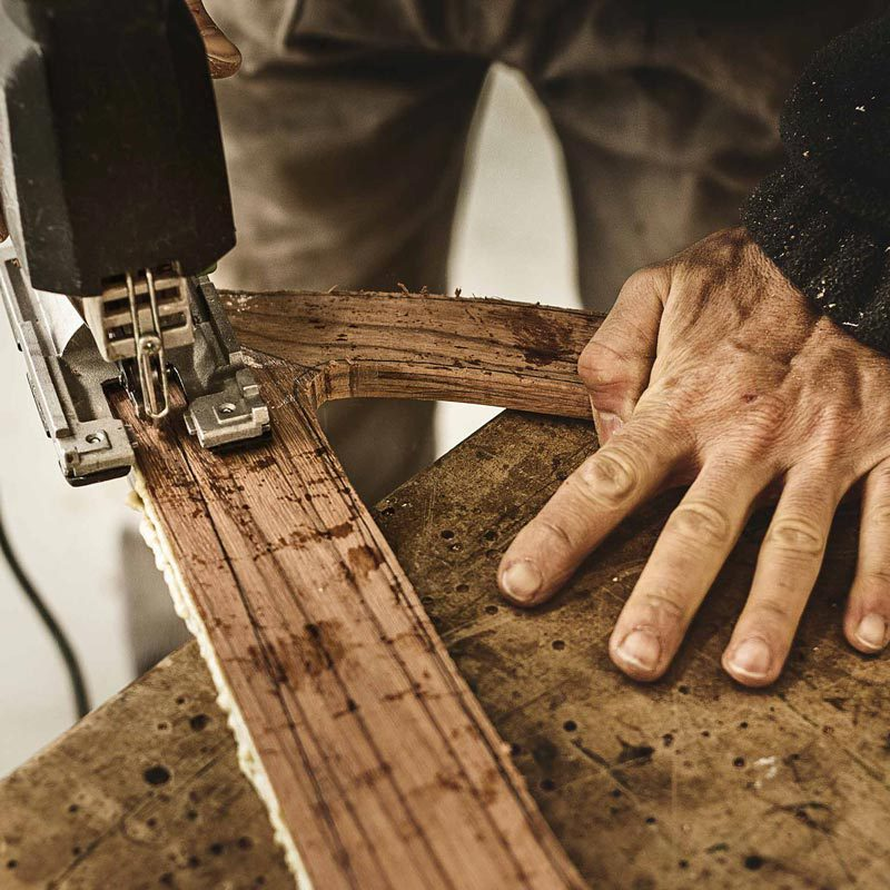 Mani realizzano i telai in legno CarrerBikes