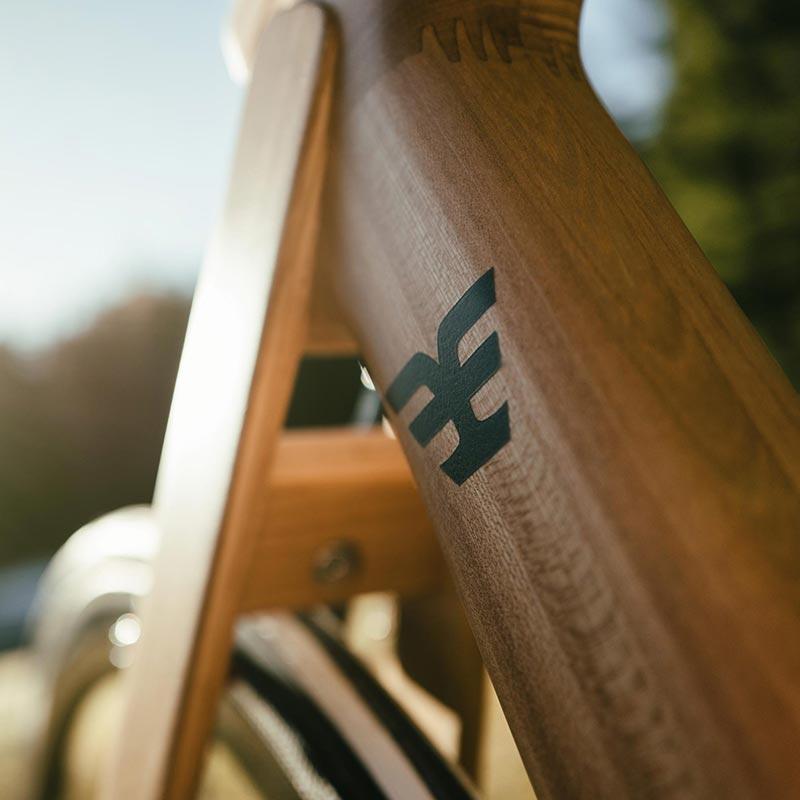 Telaio in legno bicicletta Maranello carrerBikes